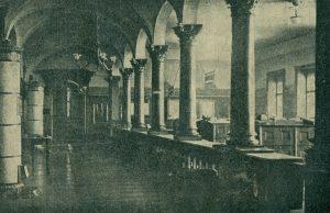 História inštitúcií